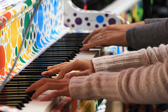 pianos-on-the-street